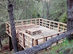 Pallet Deck - This would be nice to build.