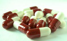 O que fazer com comprimidos e pomadas vencidas? Quais os problemas e a solução para esse resíduo? Descubra aqui: http://www.ecycle.com.br/component/content/article/35-atitude/731-limpando-a-caixa-de-remedios.html