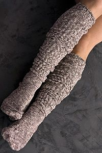 Essential knee high socks to wear with high boots in fall