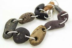Pulsera de piedras naturales perforadas