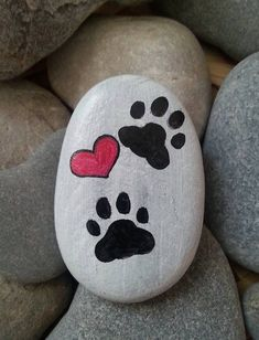 Items similar to Cat paw stone, Hand painted paw stone, Heart paw painting, Paw .See more ideas about Rock crafts, Easy Rock painting and Painted rocks.These are pretzels but this simple design could easily be painted on rocks.Do you need rock painting id Rock Painting Patterns, Rock Painting Ideas Easy, Rock Painting Designs, Paint Designs, Rock Painting Kids, Pebble Painting, Pebble Art, Stone Painting, Diy Painting