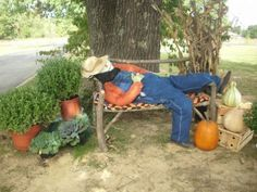 Fall Outdoor Decorations Scarecrow Laying Down On The Job Outside Fall Decorations, Fall Yard Decor, Halloween Decorations, Yard Decorations, Scarecrow Festival, Diy Scarecrow, Scarecrows For Garden, Fall Scarecrows, Fine Gardening