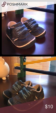 Baby boy strite rite learn to walk Best shoes to help baby walk. Rounded edges Stride Rite Shoes Sneakers