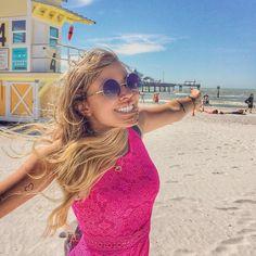 Que paraíso!! To sem ar com essa praia lindaaa  Viemos pra Clearwater Beach que fica quase duas horas de Orlando e vale muitoooooo a pena esse lugar é mágico  by tacielealcolea