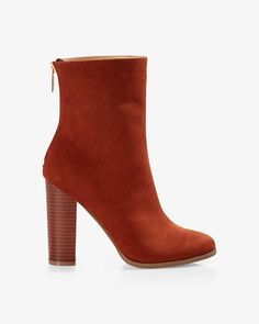heeled stovepipe boot