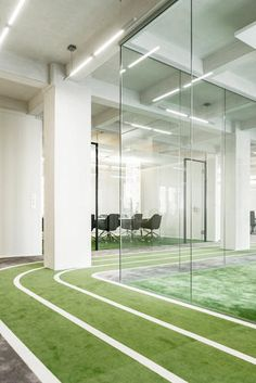 Onefootball HQ by TKEZ features turfed meeting rooms and running track Green Office, Cool Office, Commercial Design, Commercial Interiors, Office Interior Design, Office Interiors, Modern Interior, Sports Office, Office Graphics