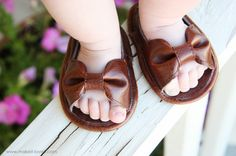 Handmade Baby Shoes - unique shower gift idea  Pinned by BabyBump, the app for pregnancy -babybumpapp.com #babyshower #handmade #gift