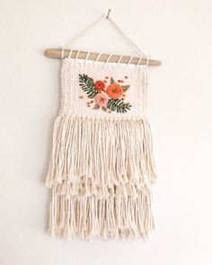 Natural cotton weaving with ebroidery // embroidered weaving // floral weaving – Macrame Weaving Projects, Weaving Art, Loom Weaving, Tapestry Weaving, Hand Weaving, Art Projects, Diy And Crafts, Arts And Crafts, Micro Macramé