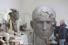 Christophe CHARBONNEL - sculptures en bronze oeuvres monumentales_This is amazing Easy Clay Sculptures, Sculpture Head, Traditional Sculptures, Art Plastique, Figurative Art, Art Studios, Artist At Work, Amazing Art, Sculpting