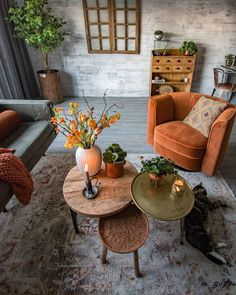 Join us and get inspired by the best selection of orange interior design for you… - Home Dekor Interior Design Living Room, Living Room Designs, Interior Decorating, Decorating Games, Retro Interior Design, Bohemian Interior Design, Interior Livingroom, Decorating Websites, Modern Design
