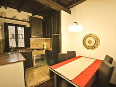 17th Century Amazing vacation venue located in the Spanish Steps and Trevi Fountain.