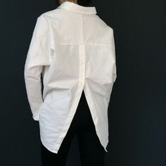 the classic white shirt - indispensible, simple, chic free Hit Counter Fashion Gone Rouge, Classic White Shirt, Savile Row, Formal Shirts, White Shirts, What To Wear, Ruffle Blouse, Glamour, Style Inspiration