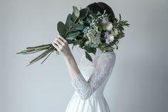 クラシカルなスリーブドレスにナチュラルなブーケの合わせがとてもおしゃれです♡ #アーネラクロージング #anelaclothing  #weddingphoto  #クラシカルドレス  #クラッチブーケ  #ウェディングフォト #ウェディングドレス #結婚式 #軽井沢高原教会  #インスタ映え #フォトジェニック #ロングスリーブドレス  #ハネムーン#photowedding  #おしゃれ花嫁  #ウェディングドレス試着 #おしゃれ結婚式  #アニバーサリーフォト  #ドレス試着 #weddingdress  #クラッチブーケ #dress  #プレ花嫁 #justmarried  #前撮り  #2018秋婚 #2018夏婚  #リゾートウェディング  #全国のプレ花嫁さんと繋がりたい  #instagood