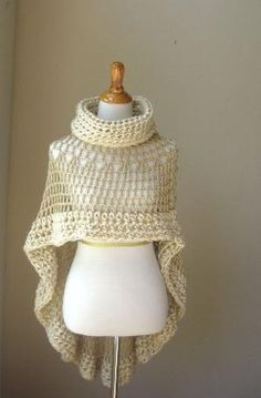 BEIGE BOHEMIAN PONCHO Crochet Knit Cream Cape Shawl von marianavail by proteamundi