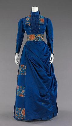 Silk afternoon dress, American, Brooklyn Museum Costume Collection at The Metropolitan Museum of Art 1880s Fashion, Edwardian Fashion, Vintage Fashion, Antique Clothing, Historical Clothing, Vintage Gowns, Vintage Outfits, Dress Vintage, Style Édouardien