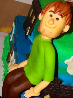 Shaggy Fondant Topper ~ Scooby Doo Party Cake ~ Styled by Simply Bashing https://www.facebook.com/media/set/?set=a.417739735018977.1073741832.181187972007489&type=3