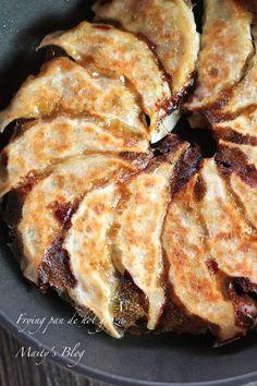 餃子 Fat Foods, Cooking Recipes, Healthy Recipes, Japanese Food, Food Photo, Delish, Brunch, Pork, Yummy Food