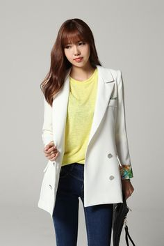 Korean Fashion – How to Dress up Korean Style – Designer Fashion Tips Korean Fashion Summer, Korean Fashion Trends, Fashion 101, Womens Fashion, Street Fashion, Oversized Blazer, Korean Style, Asian Style, Spring Outfits