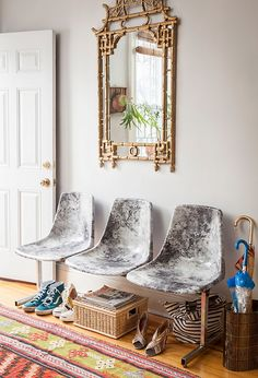 Decoupage faux-marble bend anyone?? https://www.onekingslane.com/live-love-home/diy-furniture-projects/