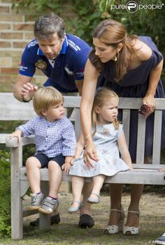 26 July 2013 - Annual Photoshoot at Gråsten Castle King Queen Princess, Crown Princess Mary, Prince And Princess, Queen Anne, Denmark Royal Family, Danish Royal Family, Princess Marie Of Denmark, Princess Alexandra, Duchess Kate