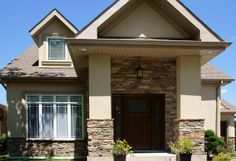 Mountain Ledge Stone Laid in Mortar with Matching Sill Band, Wiarton Willow Colour - http://www.stonerox.com