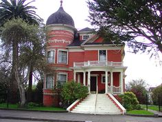 "another Eureka Ca. beauty.   I lived up the street from this beauty. Just short of two blocks long with carriage house, large garage, several other outbuildings. maybe half of the property in either  ""park"" or vegetables.  Definitely the ""landed gentry"" of Eureka."