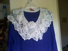 Frilly Collar