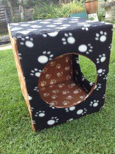 Cool bunny play area idea using cardboard & felt.
