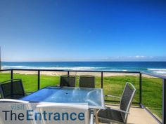 Seaside Splendour The Entrance North Located 14 km from Terrigal, Seaside Splendour offers accommodation in The Entrance. Guests benefit from balcony. Free private parking is available on site.  Towels and bed linen are featured at Seaside Splendour.