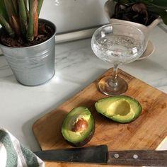 Healthy Baking Substitutes - Poosh Yogurt Breakfast, Breakfast Bowls, Healthy Baking Substitutes, Healthy Recipes, Healthy Food, Keto Recipes, Yummy Food, Cooking Sea Bass, Cook Skins