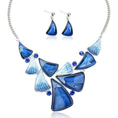 Tagoo Vintage Bridal Jewelry Set Pendant Statement Necklace Drop Earrings Set Resin Swarovski Elements Crystal Rhinestone Anti-Allergic Wedding/Party (Blue B). 100% MONEY BACK GUARANTEE - We also offer you 100% money back guarantee in 30 days to let you buy with confidence; no questions asked. However, we are quite confident that you will love the product and recommend it to many others as well. ORDER NOW!. Crystal and high quality resin with latest trendy style and original design…