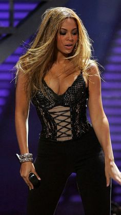 Queen With Goals Beyonce Knowles Carter, Beyonce And Jay Z, Divas, Destiny's Child, Style Beyonce, Stage Outfits, Fashion Outfits, Queen Bee Beyonce, My Idol