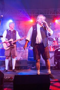 Die Kirchdorfer Band  The Kirchdorfer are a band that has become known for their performances in the hacker marquee on the Oktoberfest in Munich. The name refers to the place Kirchdorf on Haunpold in Bruckmühl Bavaria, Germany.