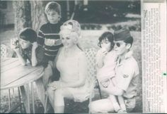 Jayne chilling with her children press 1966