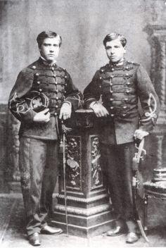 Oficiales chilenos, aparentemente del Regimiento de Artillería de Linea 2