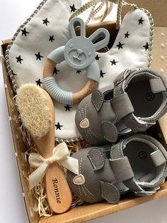 Girl Gift Baskets, Baby Gift Hampers, Baby Shower Gift Basket, Baby Hamper, Baby Gift Box, Diy Baby Gifts, Baby Box, Unique Baby Gifts, Baby Shower Gifts