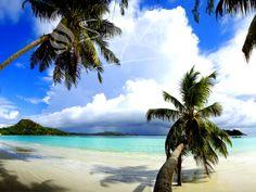 Exclusive Villas and Hotels auf on Praslin (Seychellen). Book your dream holidays on Praslin (Seychellen) at the seychelles expert! Voyage Seychelles, Praslin Seychelles, Romantic Beach, Beaches In The World, Parcs, Beautiful Beaches, Trekking, Tourism, Places To Go