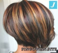 Excellent Screen Auburn Hair bob Strategies If you have considered all of the quite a few tones involving reddish colored locks as well as gott Stacked Bob Hairstyles, Hairstyles Haircuts, Medium Hair Cuts, Short Hair Cuts, Short Hair Images, Hair Color Highlights, Auburn Hair, Auburn Bob, Haircut And Color