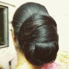 Donut Bun Hairstyles, Bun Hairstyles For Long Hair, Braids For Long Hair, Beautiful Braids, Beautiful Long Hair, Amazing Hair, Long Silky Hair, Thick Hair, Indian Long Hair Braid
