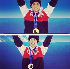 Alex Bilodeau and Mikael Kingsbury on the podium with their medals. Snowboarding, Skiing, Riders On The Storm, Canada Eh, Winter Olympics, Athletes, Baseball Cards, Sports, Snow Board