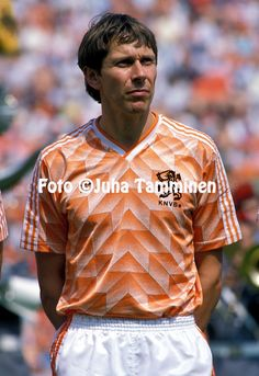 Uefa European Championship, European Championships, Holland, Football Shirts, Soccer, Men Casual, Mens Tops, Pictures, Tricot