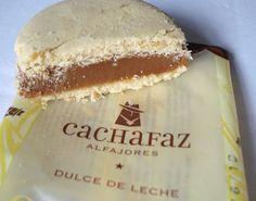 Alfajor! *.* Peruvian shortbread cookies with dulce de leche (caramel) in the center