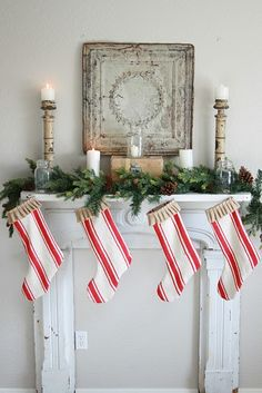 Lee Caroline - A World of Inspiration: Christmas Mantelpiece Decorations