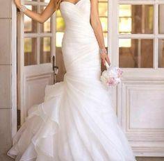 Lovely mermaid wedding dress