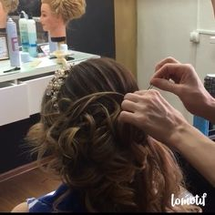 Another upstyle by @zuhra_stylist  if u think your best friend have to do it tag it#Repost @hairvideoshow ・・・ 👀Watch ❤️❤️👉Follow: @hairvideoshow 💜💙💚Double tap ❤️Tag a friend👭 😍👍Also Follow:👉👉 👈👈for #hair#updo#curly#color#braid#bridal#beautiful#ombre#balayaje #bighair#wedding#bridal#sun#summer #love#like #modernsalon#behindthechair#hot#like#life#good#fashion#art#tbt#hudabeauty#vegasnay#hairvideoshow#tutorial#haircut