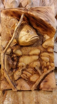 Fish Wood Carving, Wood Carving Designs, Ceramic Fish, Wood Backsplash, Wood Pergola, Got Wood, Intarsia Woodworking, Art Carved, Wood Creations