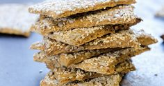 Svenske knekkebrød Krispie Treats, Rice Krispies, Crackers, Cereal, Cooking Recipes, Yummy Food, Fresh, Baking, Breakfast