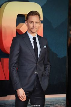 Tom Hiddleston attends the European premiere of Kong Skull Island at the Cineworld Empire Leicester Square on February 28, 2017 in London. Source: Torrilla. Higher resolution image: http://ww4.sinaimg.cn/large/6e14d388gy1fd6rf7rxf5j21jk2bc16m.jpg
