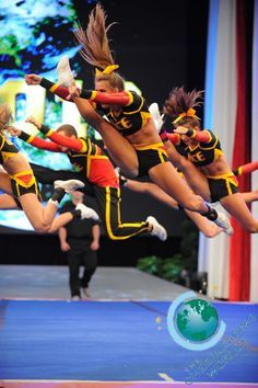 Ace All Stars - The Cheerleading Worlds 2013 Cheer Jumps, Cheer Stunts, Cheer Dance, College Cheerleading, Cheerleading Uniforms, Cheerleading Stunting, All Star Cheer, Cheer Mom, Cheer Hair