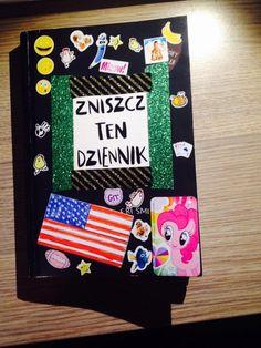 Podesłała Karolina Daria Karpińska #zniszcztendziennikwszedzie #zniszcztendziennik #kerismith #wreckthisjournal #book #ksiazka #KreatywnaDestrukcja #DIY